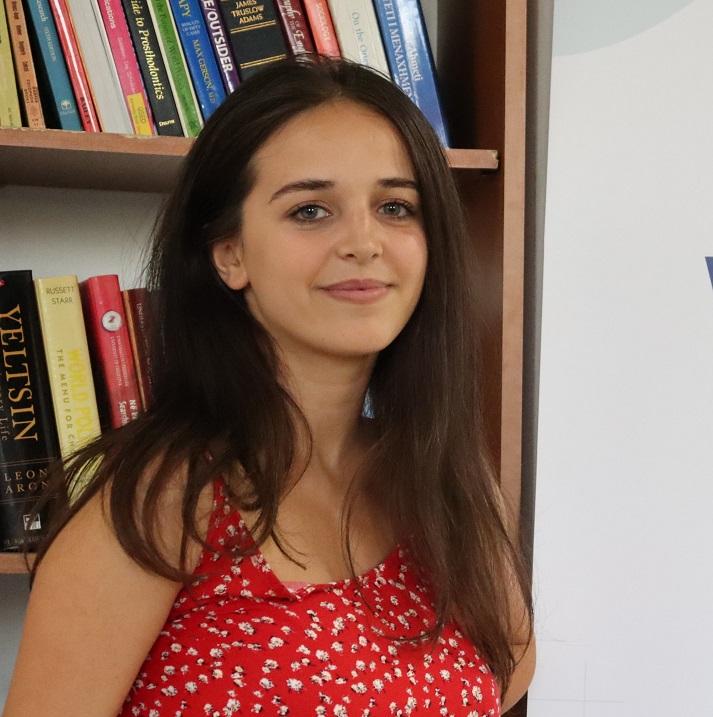 Erleta Ajvazi